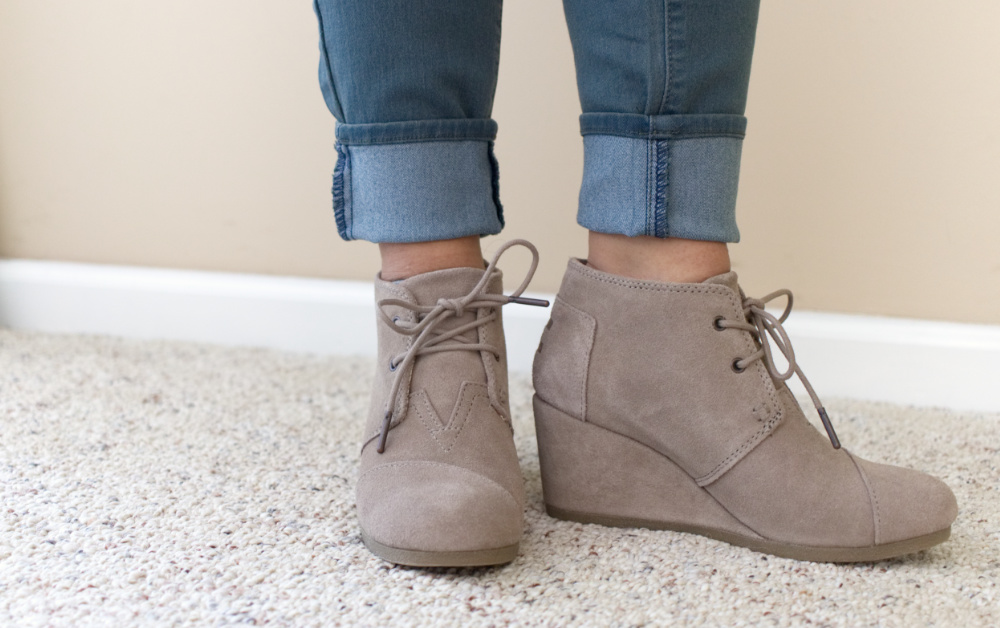 Stitch Fix Review 20; These TOMS wedge booties are SO comfortable! Find out what else my personal stylist sent to help me transition to spring!